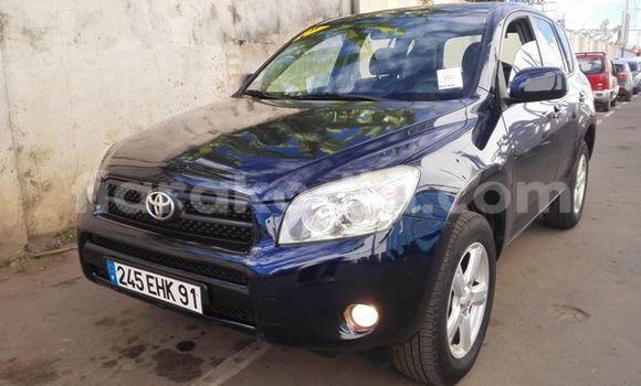 Acheter Voiture Toyota RAV4 Bleu à Antananarivo en Analamanga
