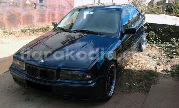 Acheter Voiture BMW 3-Series Noir à Antananarivo en Analamanga