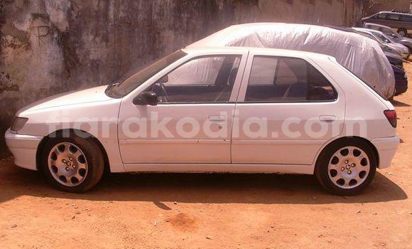 Acheter Voiture Peugeot 306 Blanc à Antananarivo en Analamanga