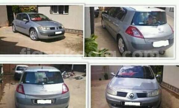 Acheter Voiture Renault Megane Gris à Antananarivo en Analamanga