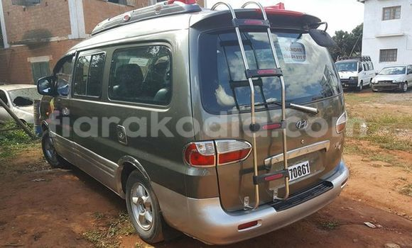 Acheter Voiture Hyundai Grand Starex Autre à Antananarivo en Analamanga