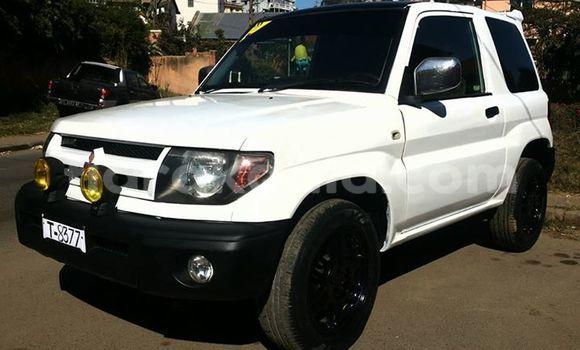 Acheter Voiture Mitsubishi Pajero Blanc à Antananarivo en Analamanga