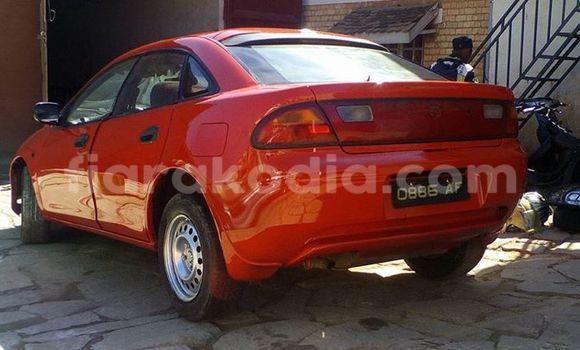 Acheter Voiture Mazda 323 Rouge à Antananarivo en Analamanga